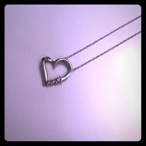 Jewelry - Sterling silver diamond heart necklace